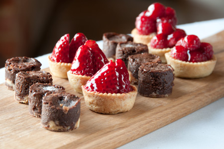 Strawberry tartlets and chocolate brownies